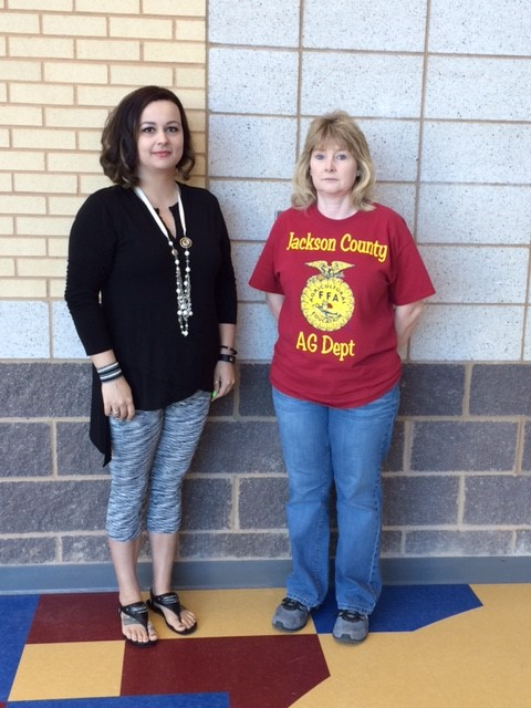 Family Health Care and Associates' School Nurse's hosted a Biggest Loser Weight Management Competition.  3rd Place--Lyndsey Hurst, JCHS 2nd Place--Melissa Dooley, JCHS