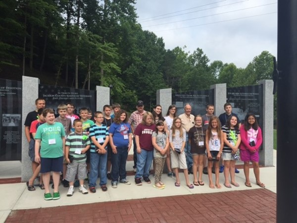 Students participated in a field trip to the Veteran's Park in McKee and had the opportunity to interview Bob Gabbard and Jim Bryant for a Virtual Field Trip Video of the Veteran's Park that the students are creating as one of their projects.