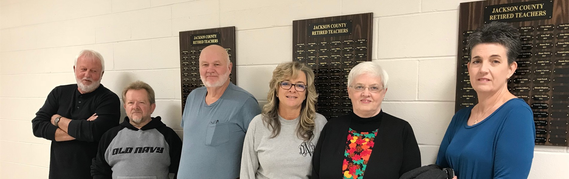 Jackson County Board Members & Retired Teachers with new Plaques